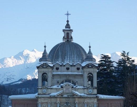Stock Photo: 1315R-10245 Italy, Piedmont, Cuneo province, Santa Maria Rocca, Church and mountains