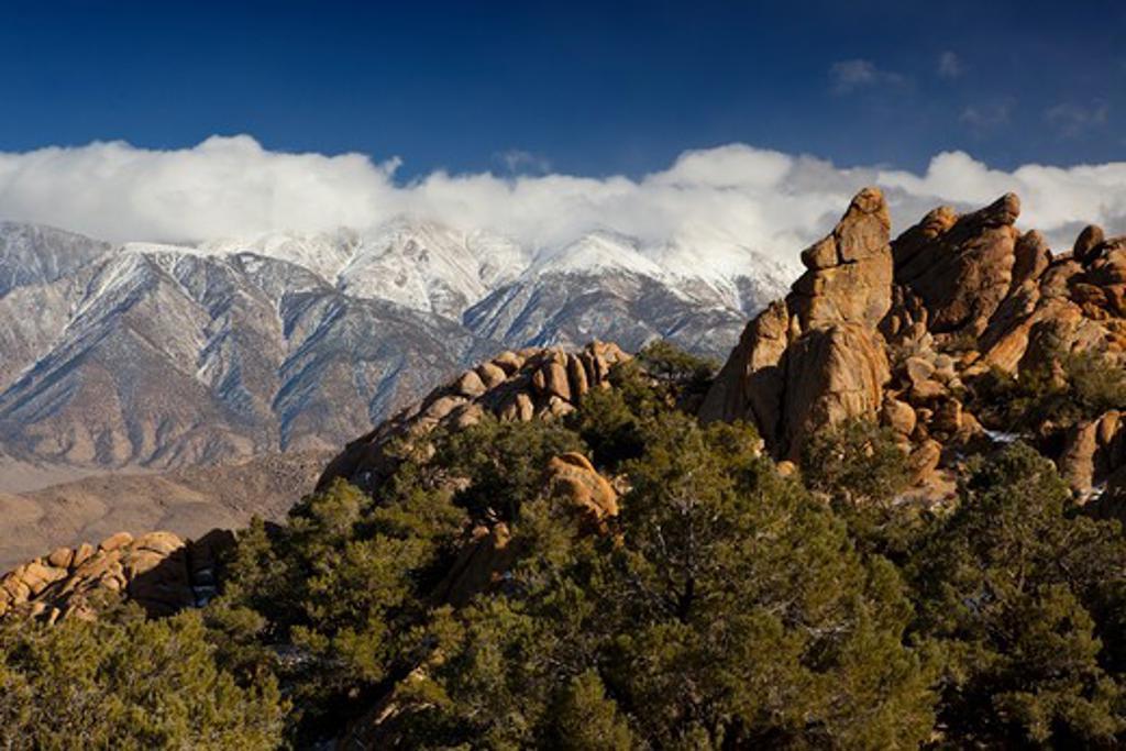 Stock Photo: 1317-1023 Mountains at sunrise, Alabama Hills, Lone Pine Peak, Californian Sierra Nevada, California, USA