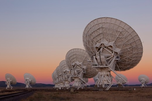 Stock Photo: 1317-1257 Radio telescope satellite dishes of the Very Large Array, New Mexico, USA
