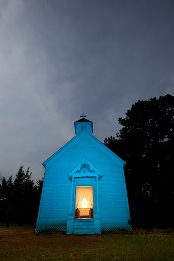 Stock Photo: 1317-1453 Abandoned old church at night, Texas, USA