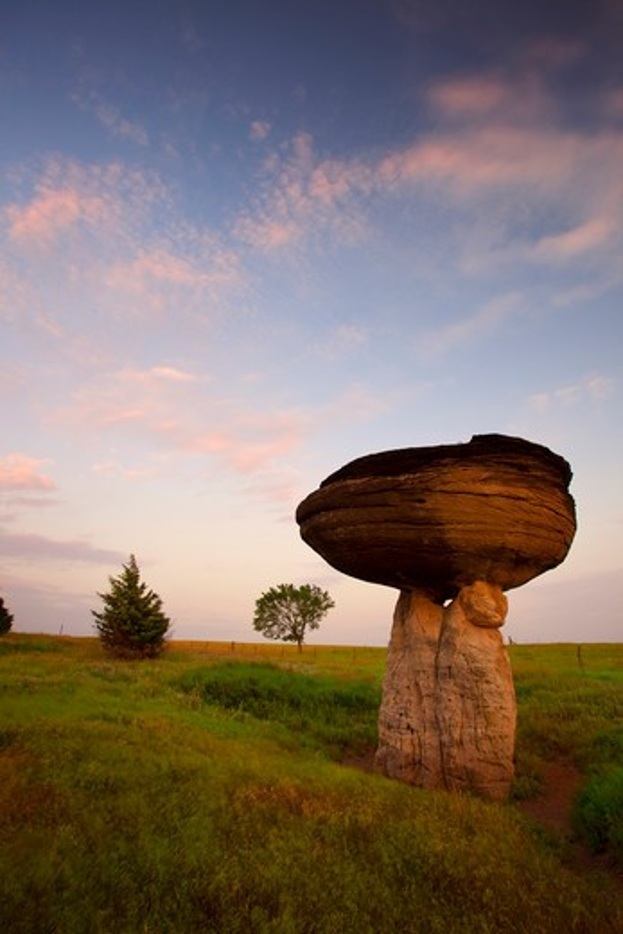 Hoodoo rock formations, Mushroom Rock State Park, Kansas, USA : Stock Photo