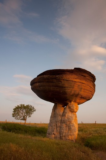 Hoodoo rock formations, Mushroom Rock State Park, Kansas, USA : Stock Photo
