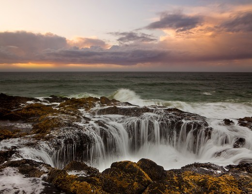 Stock Photo: 1317-1518 USA, Oregon, Cooks Chasm, Cape Perpetua