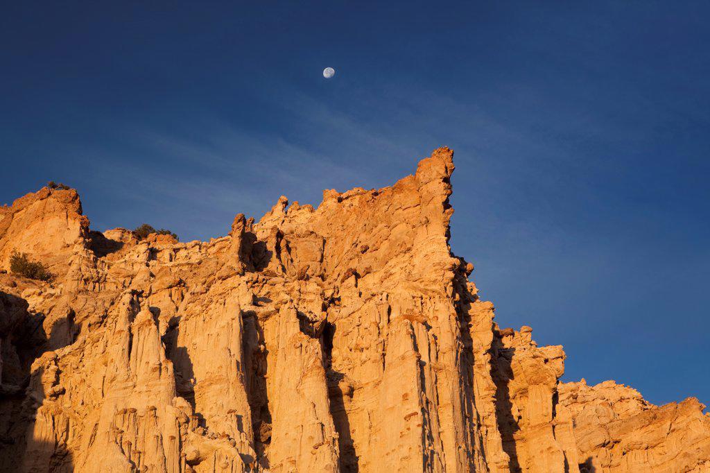 USA, New Mexico, San Juan Badlands, White City, 'Sierra Negra' Badlands, Plaza Blanca : Stock Photo