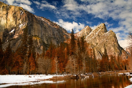 Stock Photo: 1317-960 River with mountains in the background, Merced River, Cathedral Rocks, Yosemite National Park, California, USA