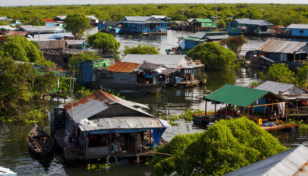 Stock Photo: 1323-1047 Houseboats in the lake, Tonle Sap, Cambodia