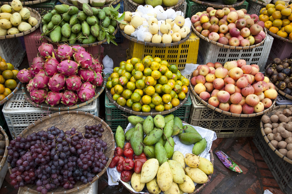 Stock Photo: 1323-1065 Fruits and vegetables on a market stall, Luang Phabang, Laos