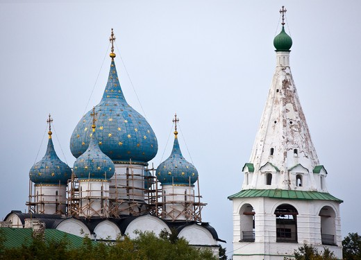 Stock Photo: 1323-1596 Low angle view of Kremlin and church, Suzdal, Russia