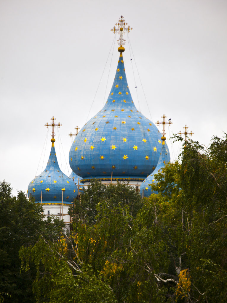Stock Photo: 1323-1609 Low angle view of Kremlin, Suzdal, Russia