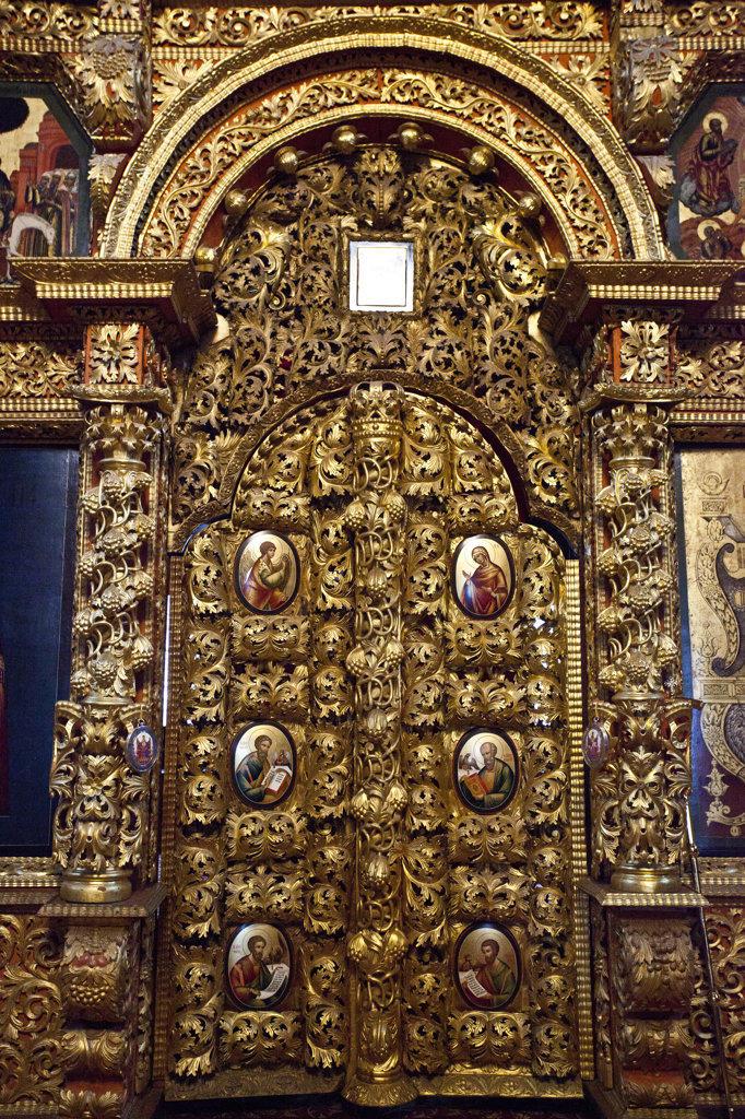 Stock Photo: 1323-1621 Altar door in the trinity church, Monastery of St Ipaty, Kostroma, Russia