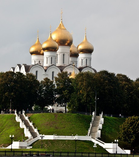 Stock Photo: 1323-1690 Low angle view of a cathedral, Dormition Cathedral, Yaroslavl, Russia