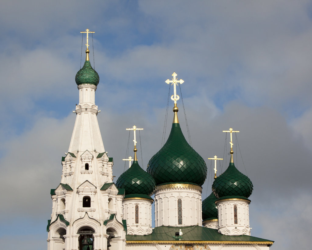 Low angle view of a church, Church of Elijah The Prophet, Yaroslavl, Russia : Stock Photo