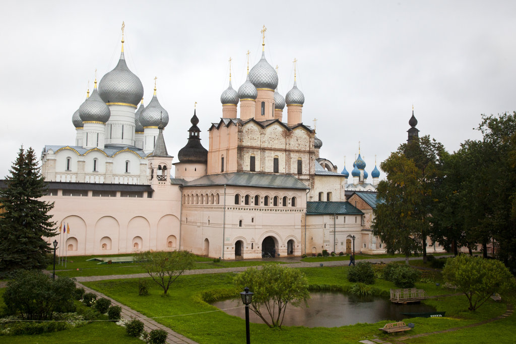 Garden in front of a church, Church of the Resurrection, Kremlin, Rostov, Russia : Stock Photo