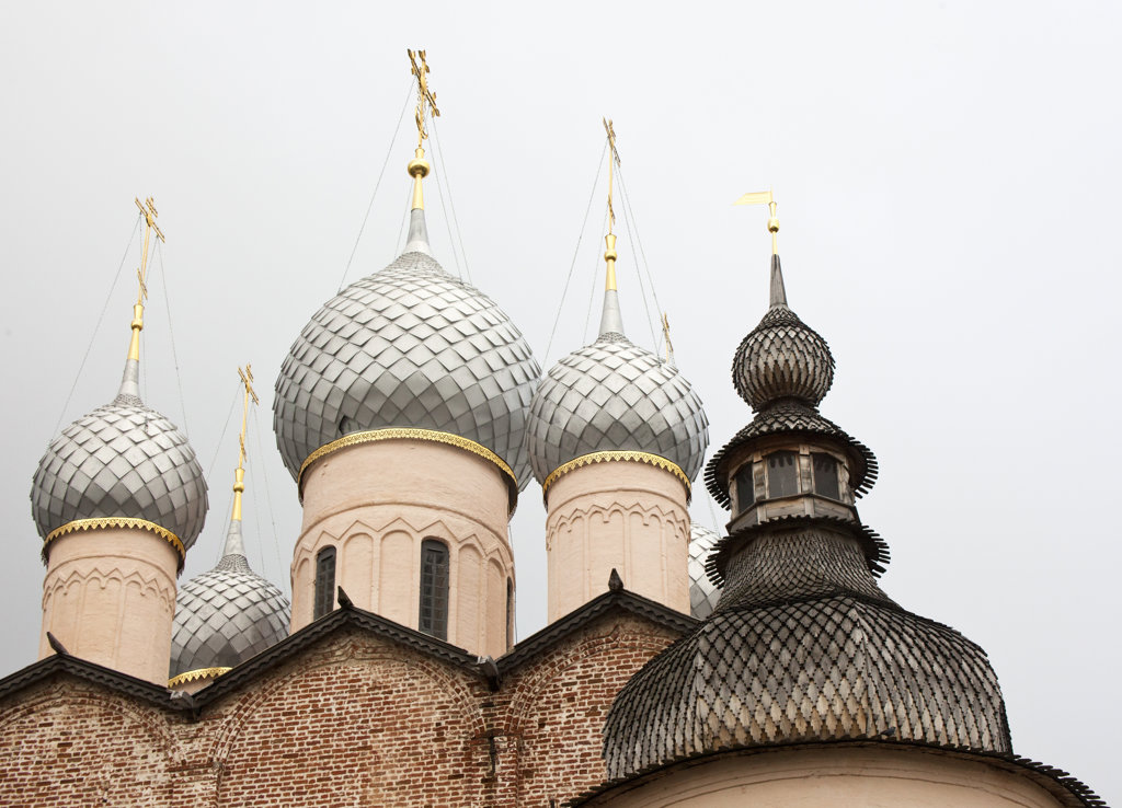 Onion domes of a church, Kremlin, Rostov, Russia : Stock Photo