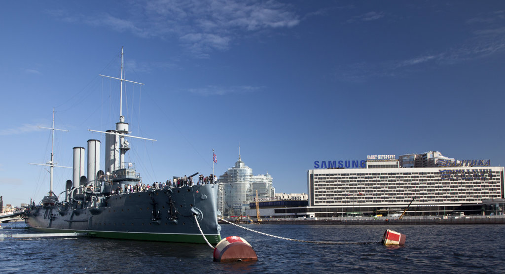 Stock Photo: 1323-1761 Aurora battleship docked in the Neva River, St. Petersburg, Russia