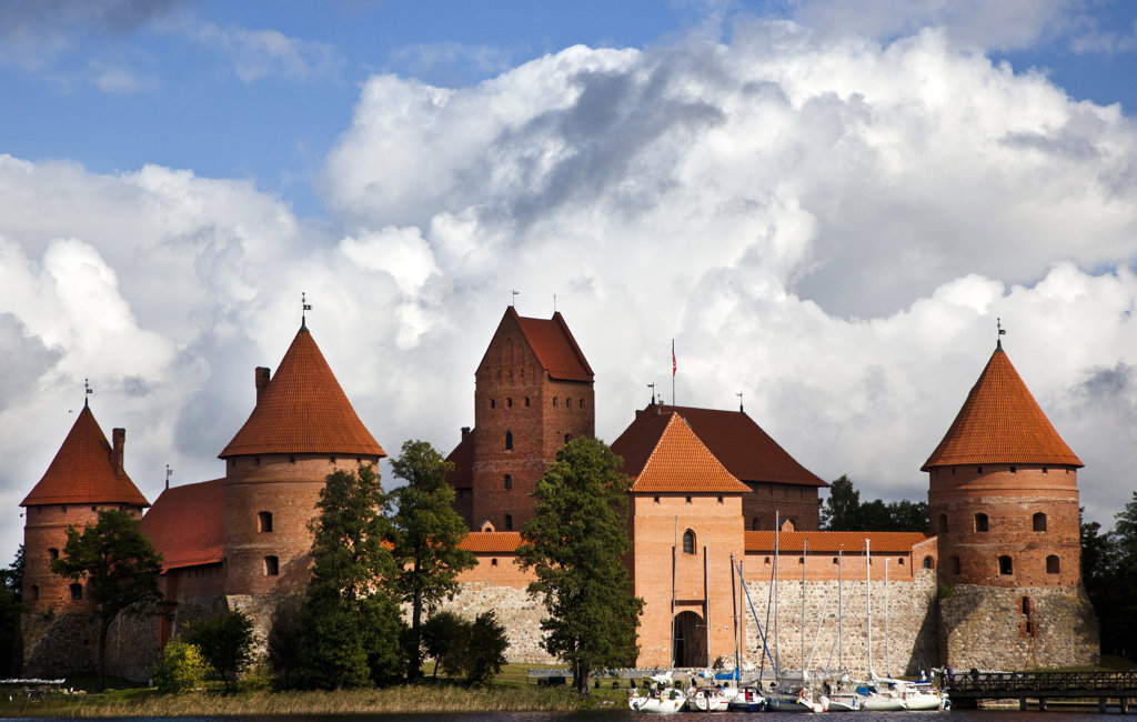 Stock Photo: 1323-1884 Facade of a castle, Trakai Castle, Trakai, Vilnius, Lithuania