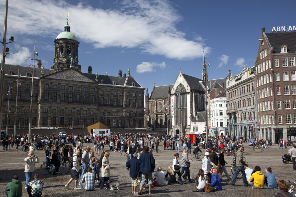 Stock Photo: 1323-1911 People at town square with City Hall, Dam Square, Amsterdam, Netherlands