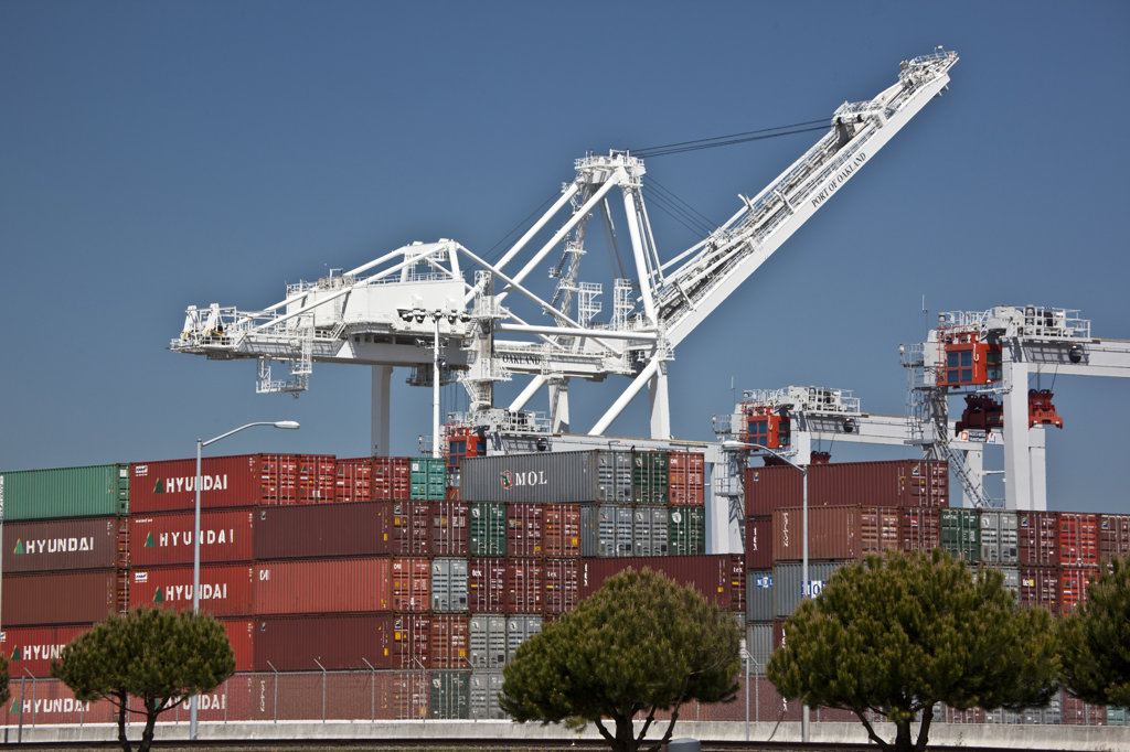 Stock Photo: 1323-2079 Cargo containers and cranes at a harbor, Oakland, California, USA