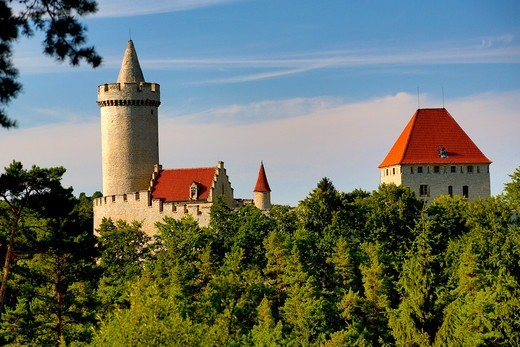 Stock Photo: 1323-2449 Czech Republic, View of Kokorin Castle