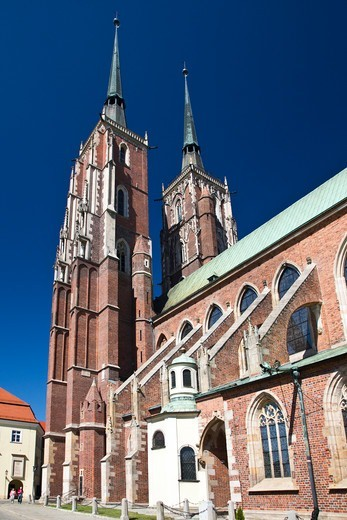 Stock Photo: 1323-2486 Poland, Wroclaw, St. John's Cathedral on Ostrow Tumski Isle
