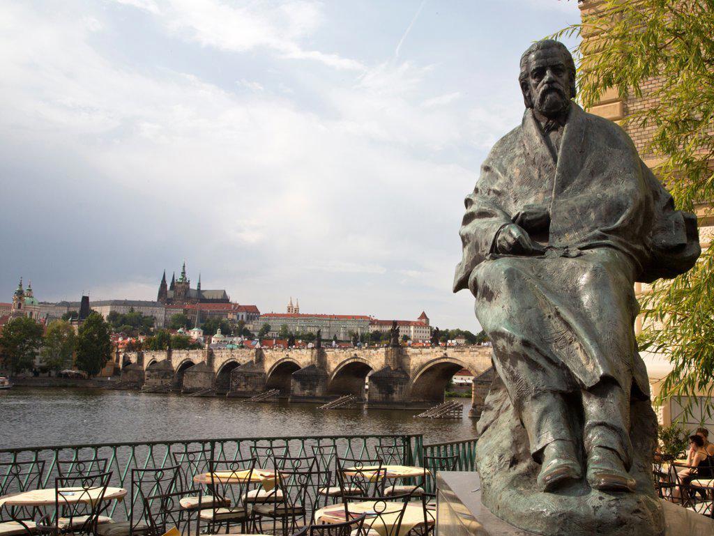 Stock Photo: 1323-2534 Czech Republic, Praque, Statue of Bedrich Smetana near Charles Bridge