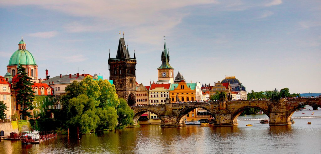 Stock Photo: 1323-2544 Czech Republic, Prague, View of Charles Bridge and Old Town