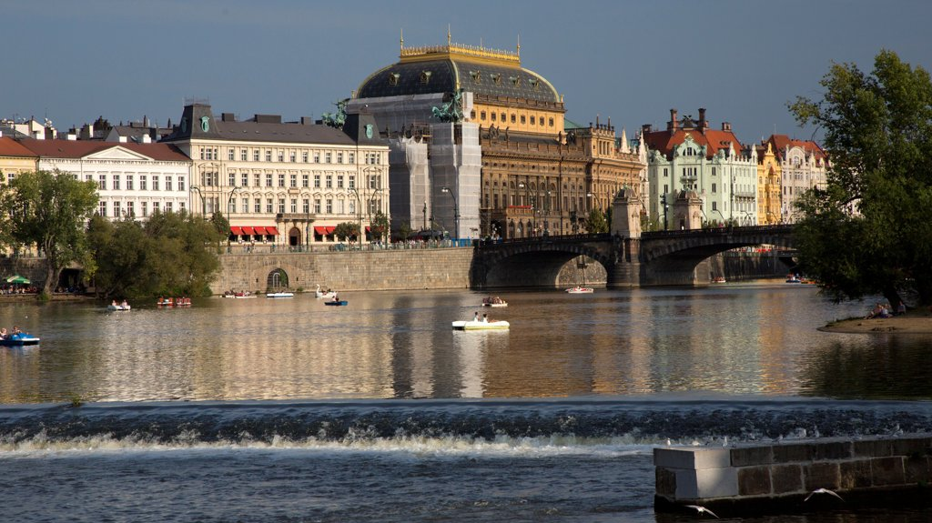 Stock Photo: 1323-2550 Czech Republic, Prague, View of Vltava River and National Theater