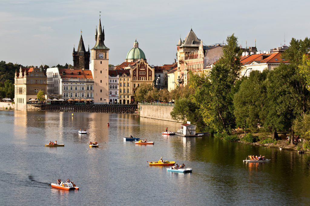 Stock Photo: 1323-2561 Czech Republic, Prague, Boats on Vltava River