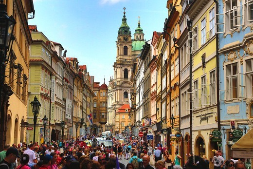 Stock Photo: 1323-2589 Czech Republic, Praque, Crowded Street in Mala Strana (lesser town)