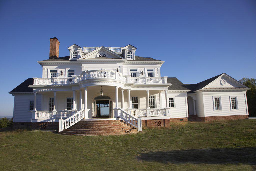 Stock Photo: 1329-1197 Facade of a manor house, South Carolina, USA