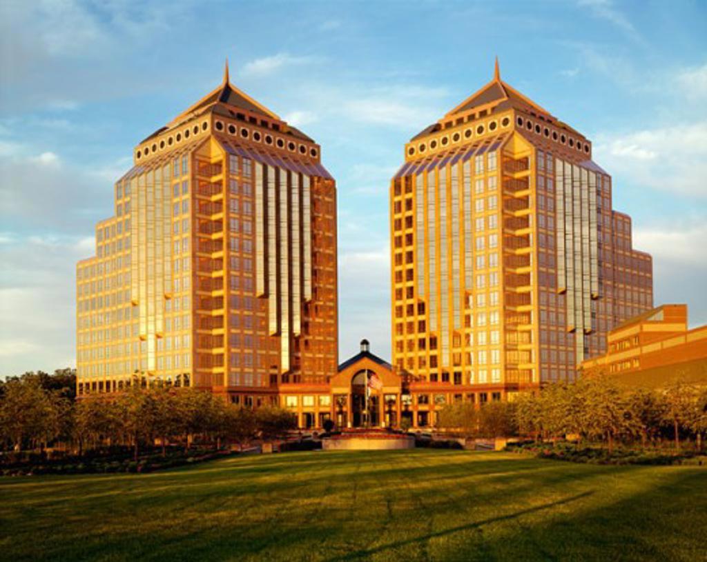 Stock Photo: 1329-319 Carlson Towers, Minneapolis, Minnesota, USA