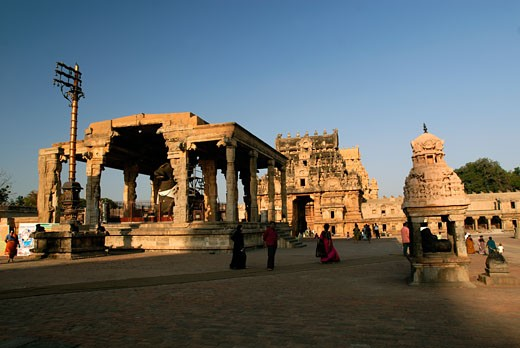 Stock Photo: 1340-1038B Tourists at a temple, Brihadishwara Temple, Thanjavur, Tamil Nadu, India