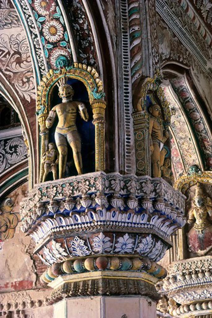Stock Photo: 1340-1360 Detailed view of a pillar, Maratha Darbar Hall, Thanjavur Palace, Thanjavur, Tamil Nadu, India