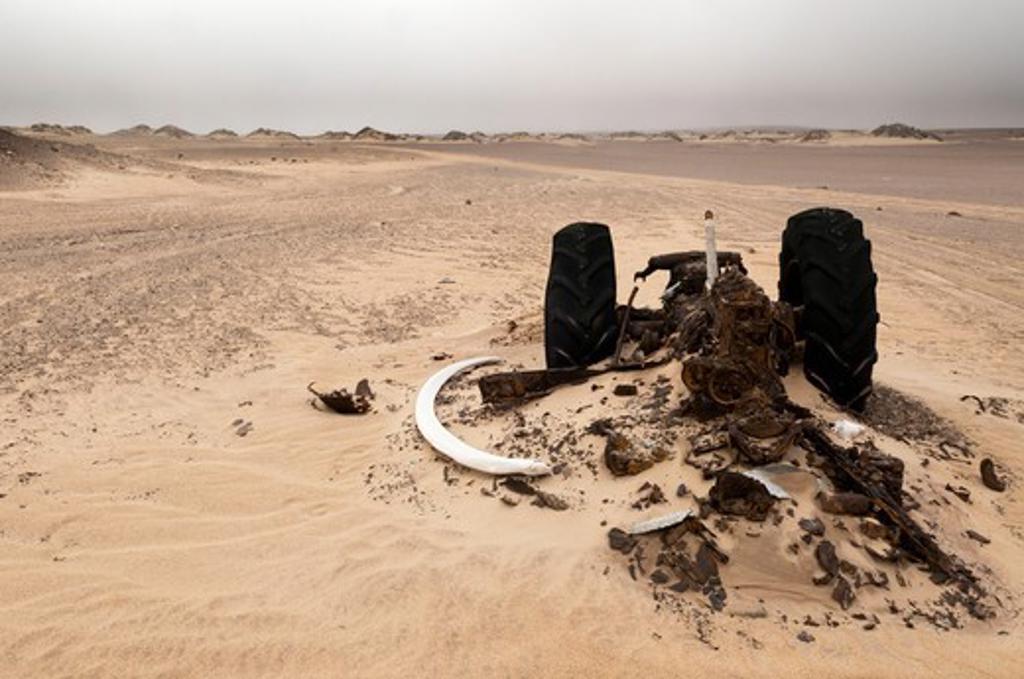 Stock Photo: 1345-2243 Namibia, Skeleton Coast, Skeleton Coast National Park, Earthmover wreck used in former diamond mine
