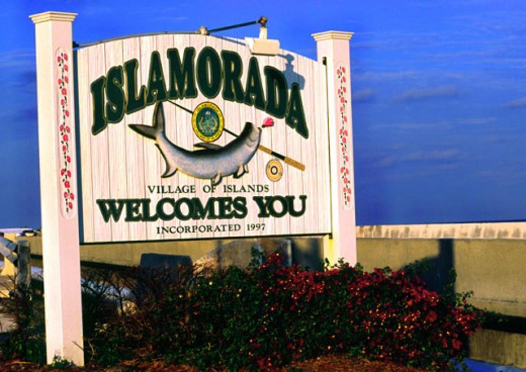 Stock Photo: 1346-771 Close-up of a welcome sign, Islamorada, Florida, USA