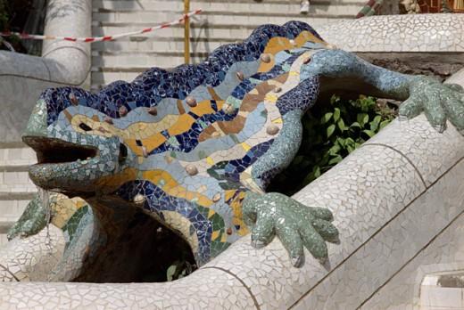 Mosaic sculpture of a lizard, Parc Guell, Barcelona, Spain : Stock Photo