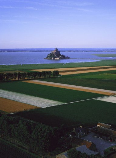 Stock Photo: 1360-210 Mont-Saint-Michel