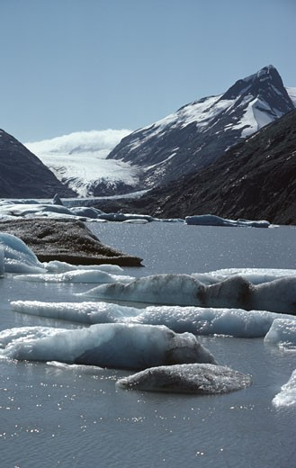 Stock Photo: 1370-3120 Mountain at the lakeside, Portage Glacier, Kenai Peninsula, Alaska, USA
