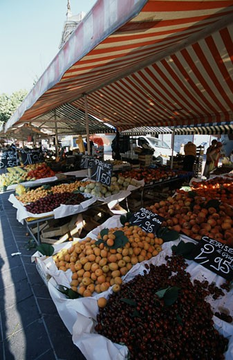 Fruit in a market stall, Nice, French Riviera, Provence-Alpes-Cote d'Azur, France : Stock Photo