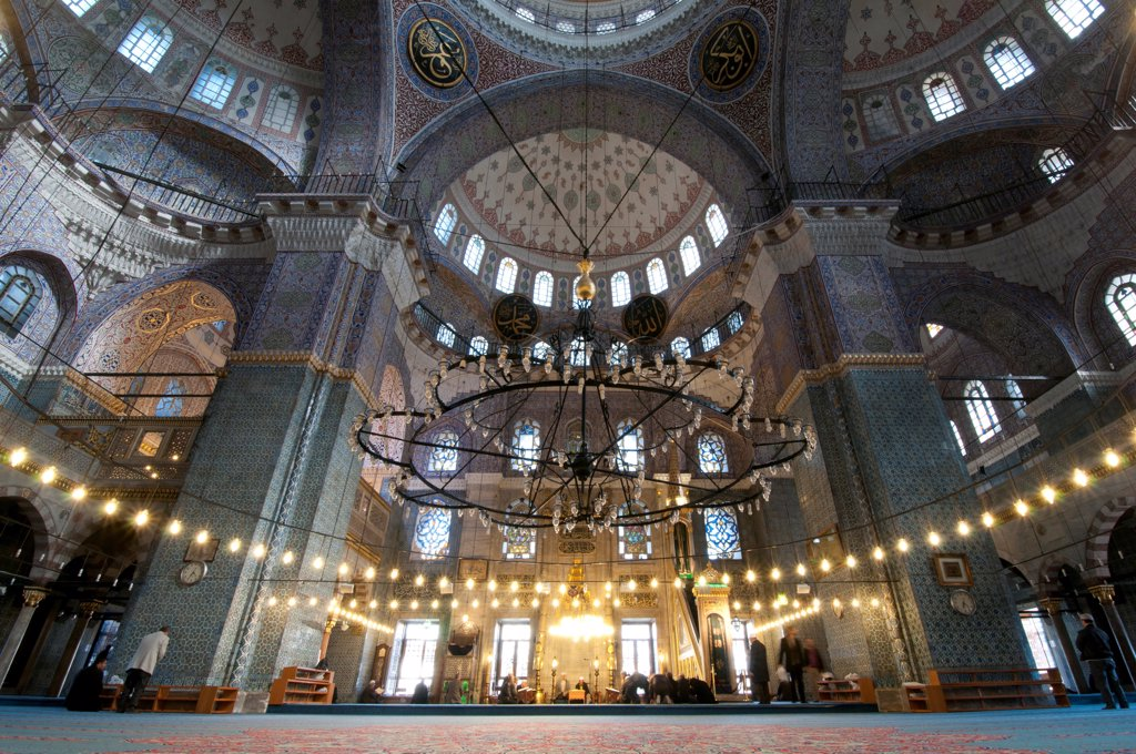 Stock Photo: 1380-1494 Interiors of a mosque, Yeni Cami Mosque, Eminonu, Istanbul, Turkey