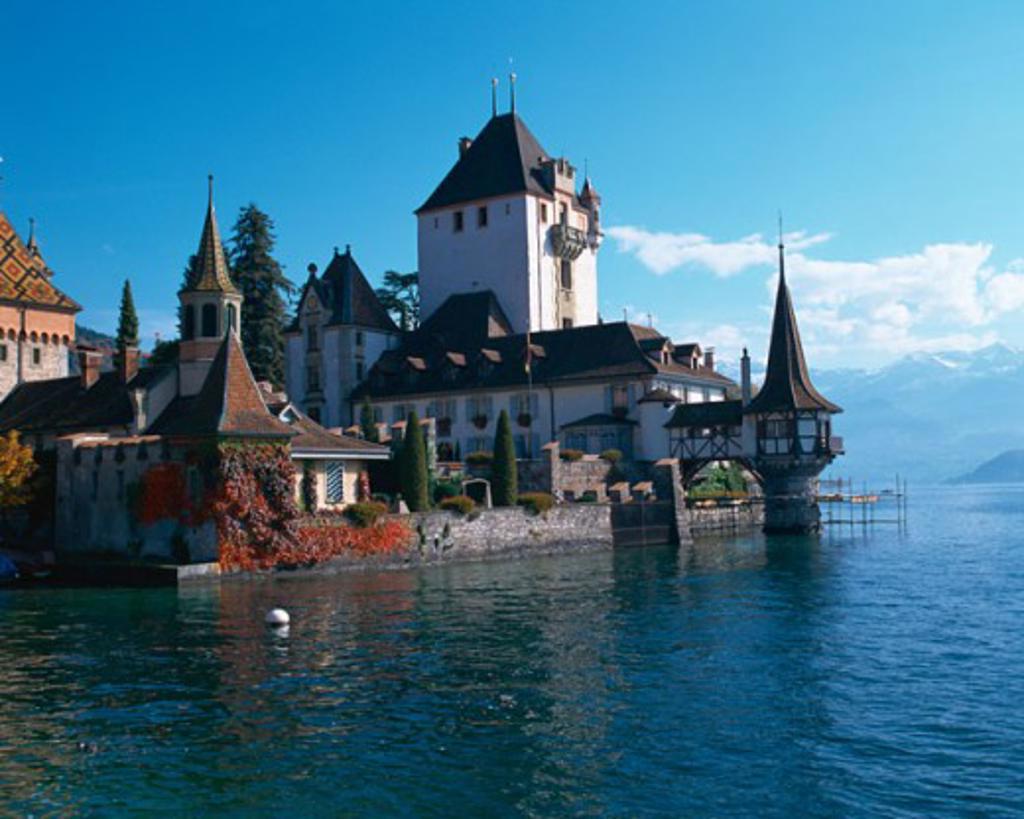 Stock Photo: 1397R-43068 Oberhofen Castle Lake Thun Switzerland
