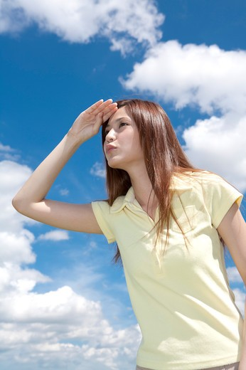 Stock Photo: 1397R-71295 Young woman looking away