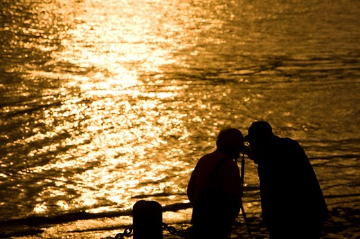 Stock Photo: 1397R-72911 China, Shanghai, sunset by the river