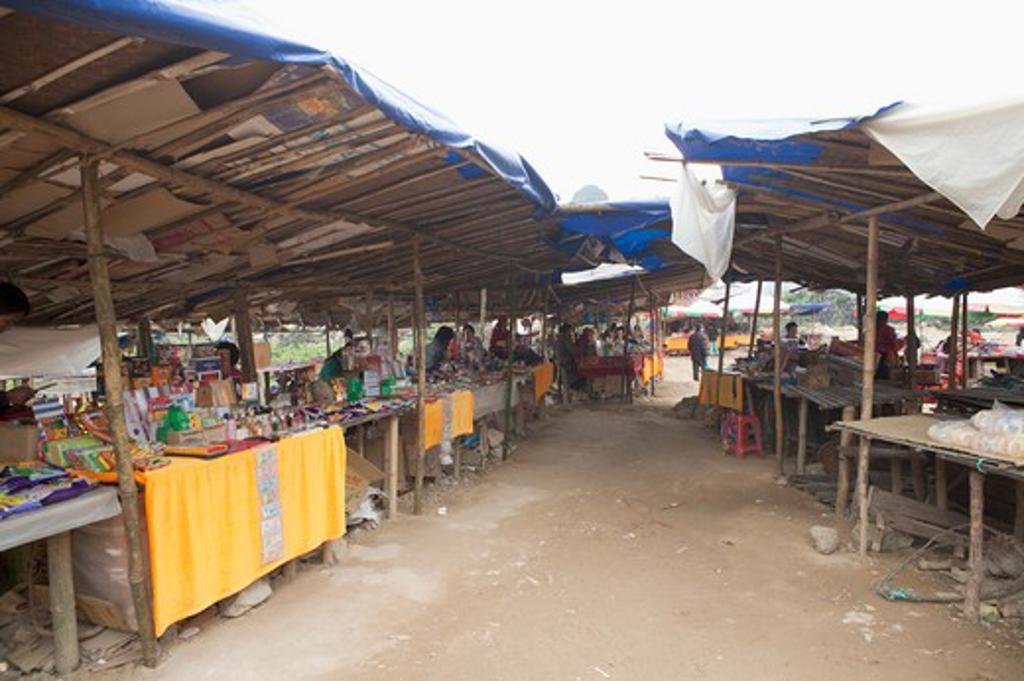 Stock Photo: 1397R-73031 China-Vietnam Border Bazaar, Guangxi Province, China