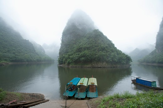 Stock Photo: 1397R-73046 Heishui River, Guangxi Province, China