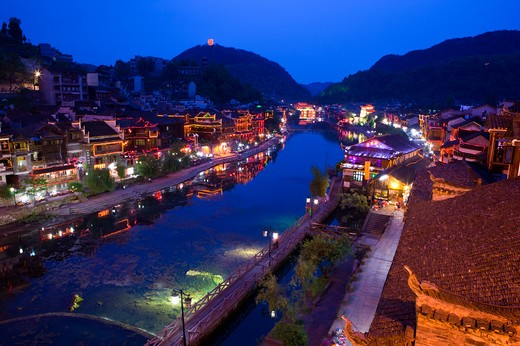 Stock Photo: 1397R-73299 Pheonix Old City, Tuojiang River, Nightlife, Phoenix County Province, Hunan Province, China, Asia