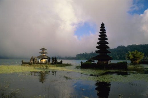 Stock Photo: 1403-115B Pura Ulun Danu Bratan