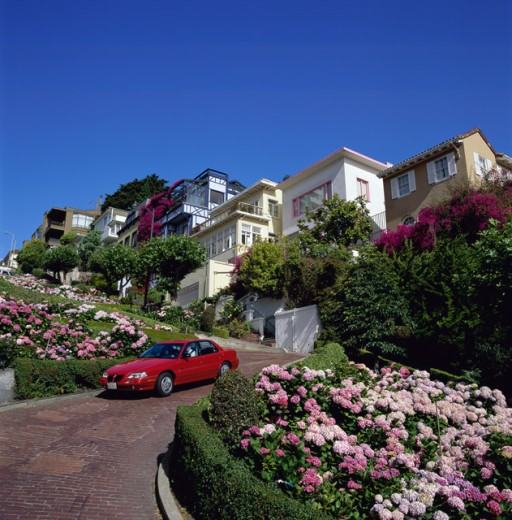 Stock Photo: 1417-264 Car on Lombard Street, San Francisco, California, USA