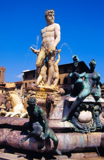 Stock Photo: 1436R-160041 Neptune Fountain
