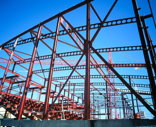 Stock Photo: 1436R-183026 Steel framework, leisure centre under construction